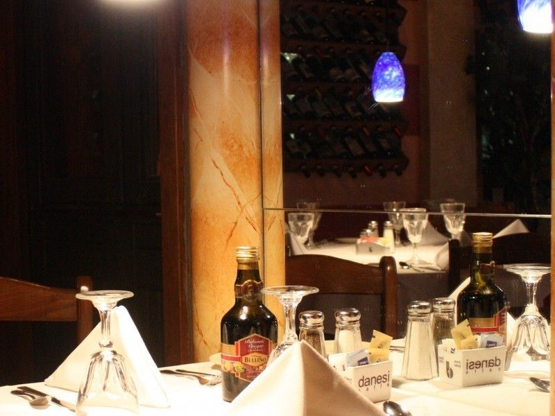 10 Most Romantic Restaurants In Rockville According To Yelp