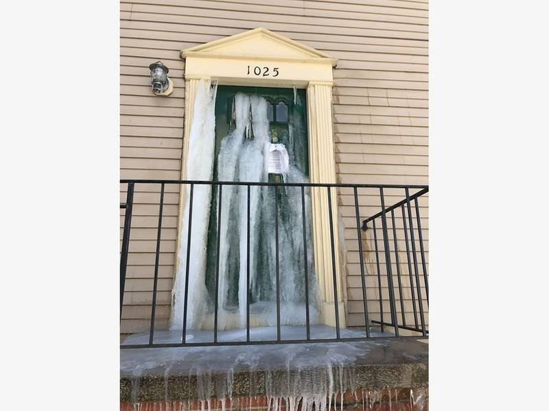 ... Photos Show Severe House Damage From Frozen Pipes Cold-0 ... & Photos Show Severe House Damage From Frozen Pipes Cold | Anne ...