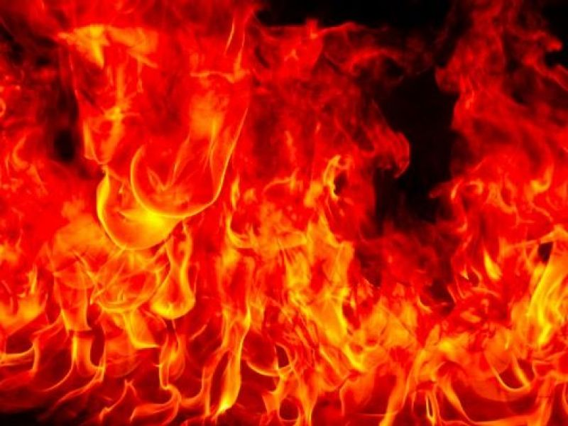 3 Story Storage Facility Ablaze Near The 101 Freeway In Sherman Oaks
