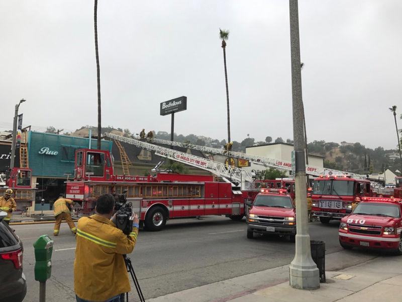 Fire rips through studio city shopping center sherman for 13425 ventura blvd 2nd floor sherman oaks ca 91423