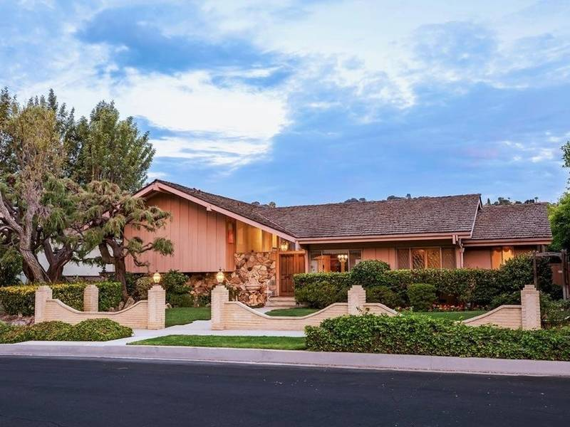 4 brady bunch house mystery buyer revealed