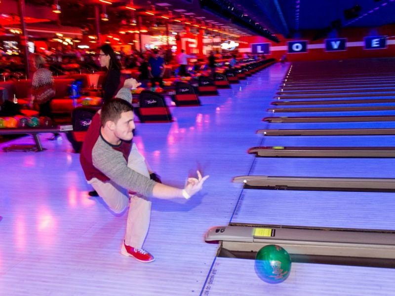 Bowlero Romeoville Coming Soon Brunswick Zone Reopening With New
