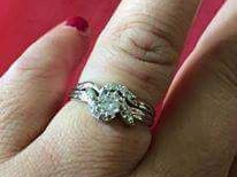 new moms wedding ring lost at plainfield laundromat plainfield il patch - Lost Wedding Ring