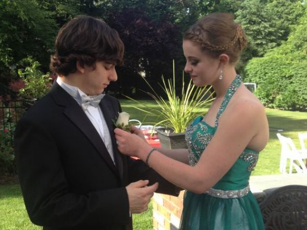 IL school assigns students prom dates