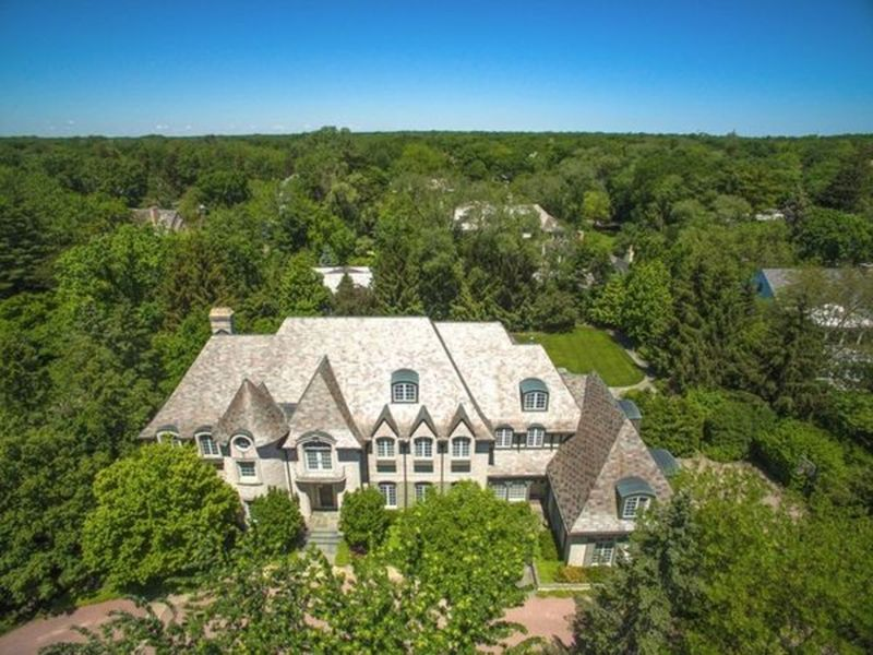 Heated Pool Golf Icon 39 S House Pale Blue Mansion Illinois Wow House Roundup Des Plaines Il