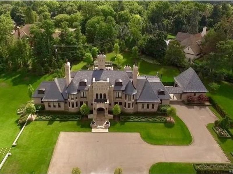 House If Castle Living Is For You Bloomfield Hills Mansion Delivers