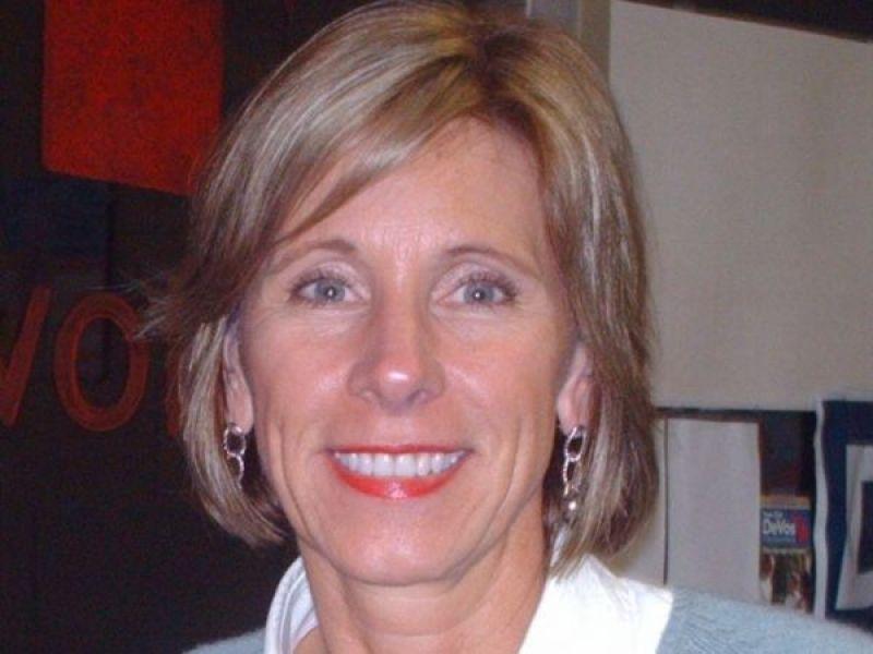 Why I Wont Vote For Betsy Devos >> Betsy Devos Won T Get Michigan Senator S Vote For Education