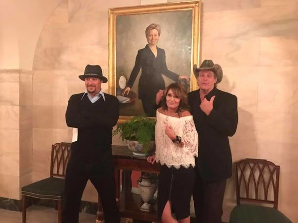 President Trump welcomes Sarah Palin to White House