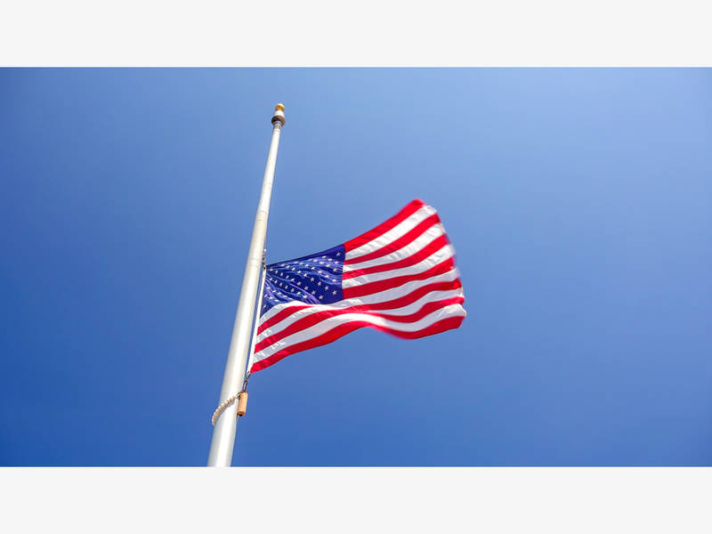 Memorial day flag etiquette when to salute 5 things to for 3 flag pole etiquette