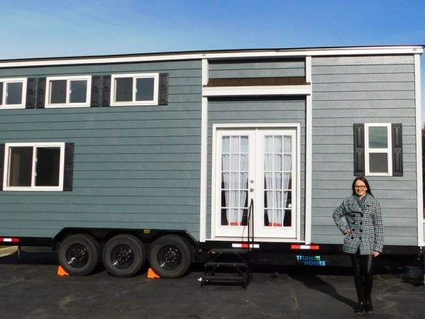 Tinley Woman Hopes to Trade Her Way to Tiny House Tinley Park