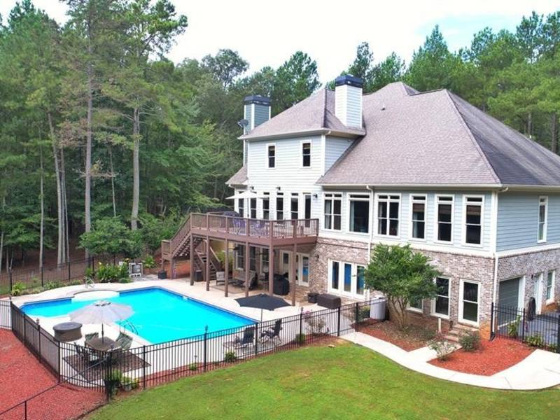 ... Douglasville Wow House: 5 Acres With Roman Style Pool 0 ...