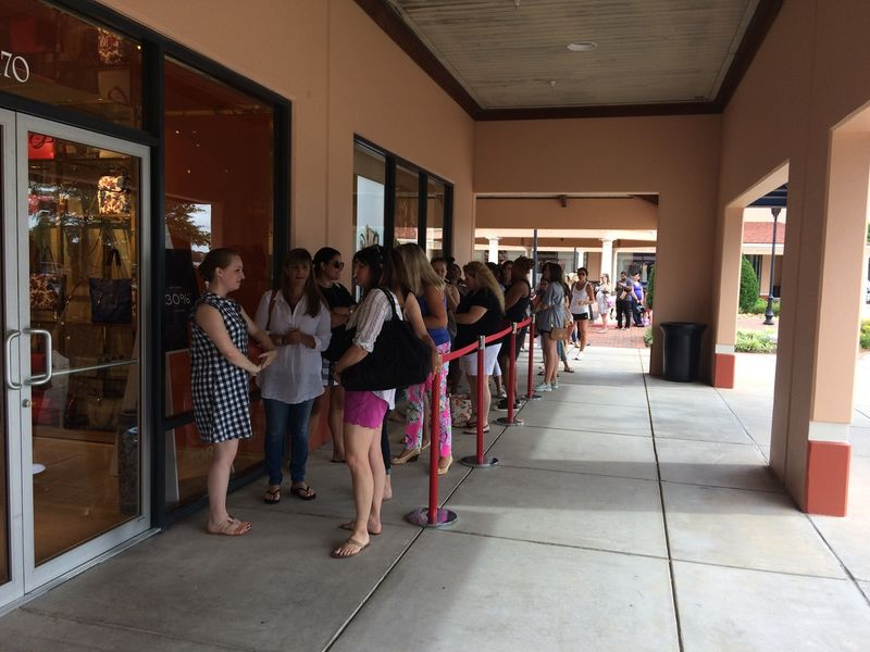 ... Tory Burch Outlet now open at North Georgia Premium Outlets-0 ...