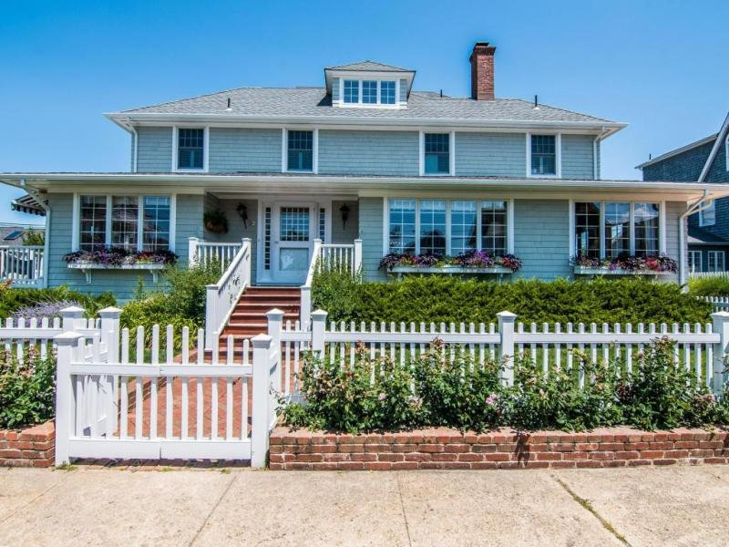 Bay Head S Colonial Close To And Beach 0 Wow House