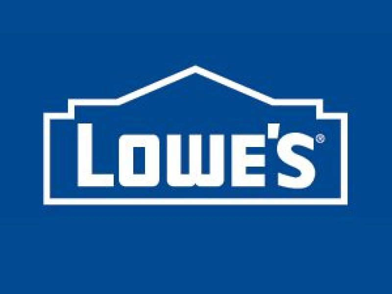 Lowes Opens Leesburg Location